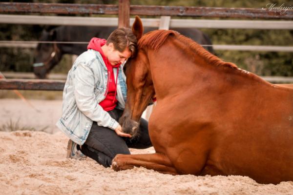 mental-health-month-zaressa-horse-noaz