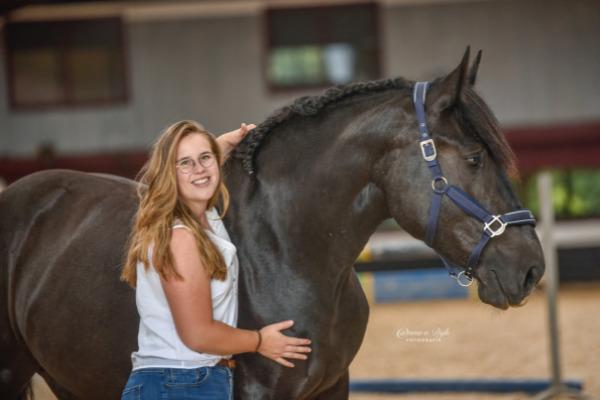 mental-health-month-zaressa-horse
